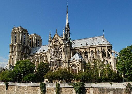 Notre Dame dalla Senna crop