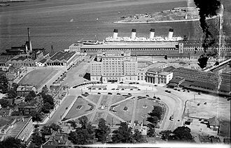 The Westin Nova Scotian - RMS Olympic docked behind the Nova Scotian in 1931.