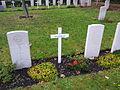 Oorlogsgraven Kerkhof Vlieland -2.jpg