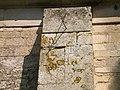 Ouilly-le-Tesson cadran solaire église St Aubin.JPG