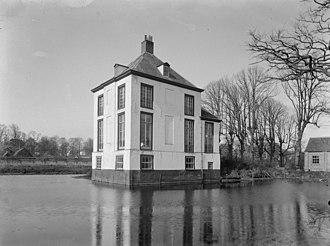 Hofwijck - Image: Overzicht met vijver Voorburg 20245403 RCE