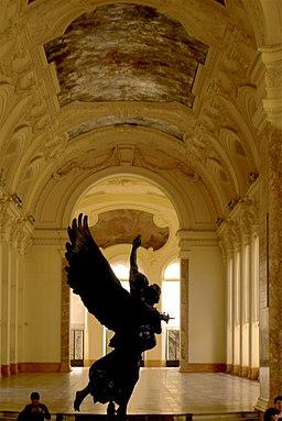 P1130922 Paris VIII Petit-Palais interieur rwk