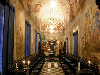 Freemasonry - Lodge in Palazzo Roffia, Florence, set out for French (Moderns) ritual
