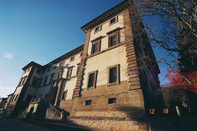 File:Palazzo dei Principi di Carpegna 03.jpg