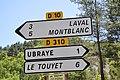 Panneaux indicatifs à Ubraye.jpg
