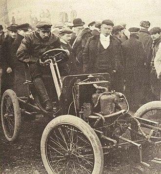 Paul Baras - Image: Paul Baras vainqueur sur voiture légère à la côte de Gaillon 1901 (La Vie au Grand Air du 1er décembre 1901)