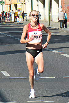 Paula Radcliffe at the Berlin Marathon 2011.jpg