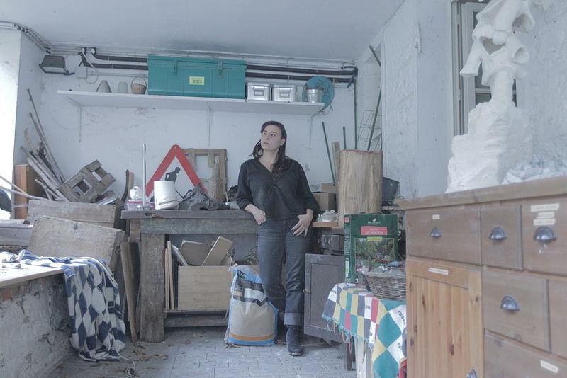 File pauline castaing dans son atelier d 39 ivry sur seine jpg wikimedia c - Atelier ivry sur seine ...