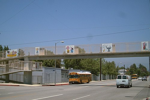 Peanuts-themed pedestrian overpass in Tarzana, Los Angeles, California Peanuts overpass.jpg