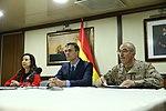 Pedro Sánchez felicitación navideña tropas exterior 01.jpg