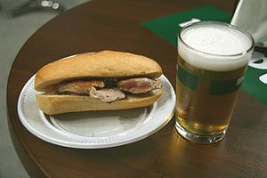 Chicken sandwich - Image: Pepito Lomo Caña