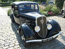 Peugeot 401 001.jpg