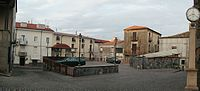Piazza del mercato (Spezzano Albanese).jpg