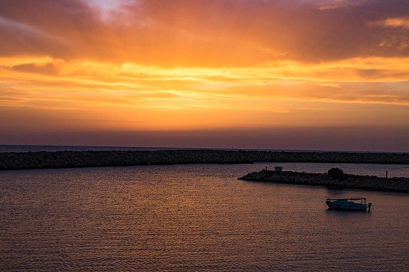 שקיעה בנמל תל אביב