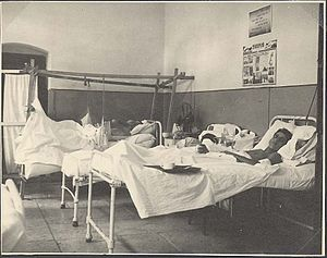 Military hospital - Image: Piki Wiki Israel 7049 Military hospital 11 (1948) Ziv
