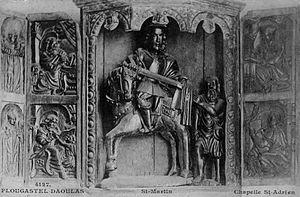 """Plougastel-Daoulas - The sculpture """"Saint Martin et le Pauvre"""" in the Saint-Adrien chapel"""