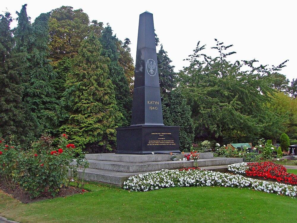 Massaker von Katyn - eAnswers