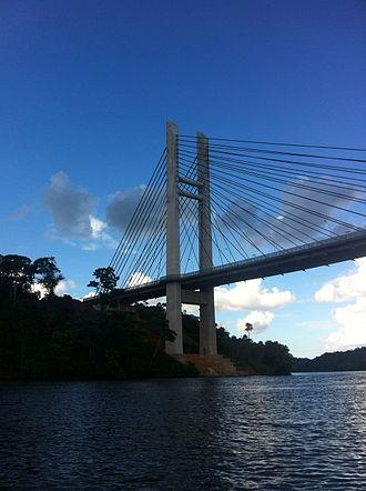 Oyapock River Bridge - Image: Pont depuis l' Oyapock