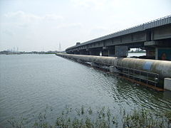 Porur Lake and flyover.jpg
