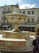 Praca do Giraldo Fountain in Evora Portugal.jpg