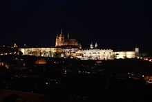 Prague Castle at night 2.jpg