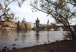 Praha - bridge by Francois Becker.jpg