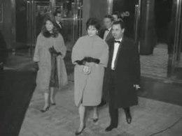 """Galapremière van de Nederlandse speelfilm """"Het mes"""" in het City-Theater te Amsterdam, 1961"""