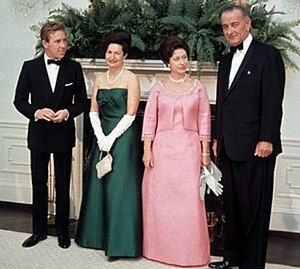 Antony Armstrong-Jones, 1st Earl of Snowdon - Princess Margaret and the Earl of Snowdon with the United States president Lyndon B. Johnson and his wife Lady Bird at the White House on 17 November 1965