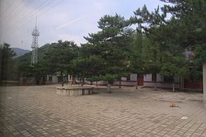 Qinglongqiaoxi Railway Station (20160627091103).jpg