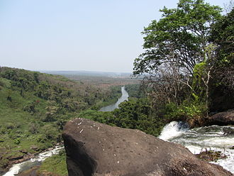 Lucala River - The Lucala river leaving the valley created by the Kalandula Falls