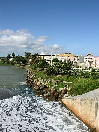 Río Grande de Arecibo - View of the town of Arecibo from the mouth of Rio Grande de Arecibo.