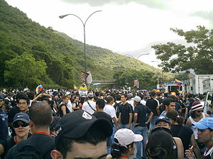 2007 RCTV protests - June 1, students of the Universidad Central de Venezuela and Universidad Católica Andrés Bello marching against the government's decision. (photo by: Jesús E. Machado P.)