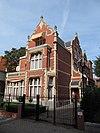 foto van Vrijstaande villa in overgangsarchitectuur