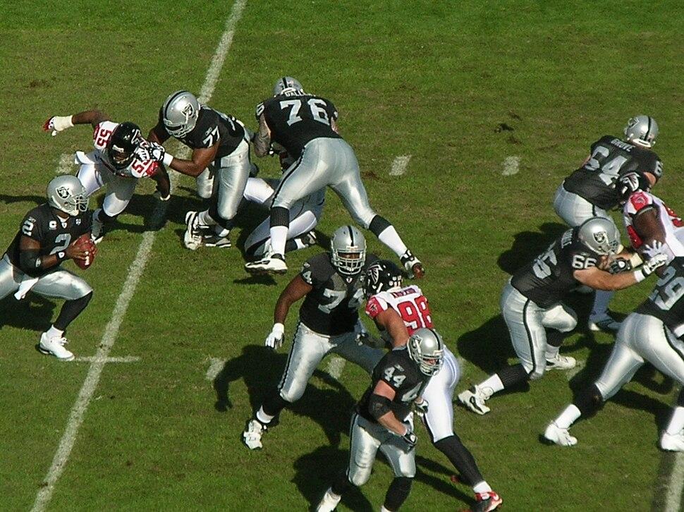 Raiders on offense at Atlanta at Oakland 11-2-08 02