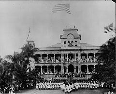 Raising of American flag at Iolani Palace with US Marines in the foreground (PP-35-8-002).jpg
