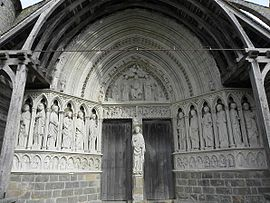 Rampillon (77) Eglise Saint-Eliphe Portail occidental.jpg