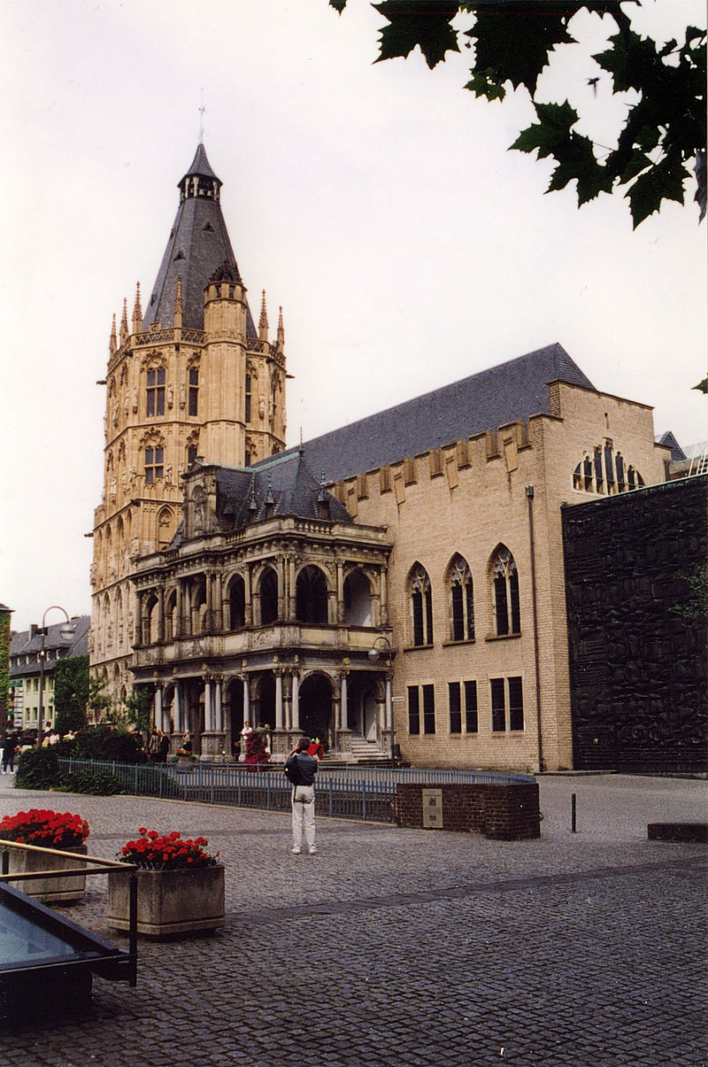 Rathaus, Koeln, from SW.jpg