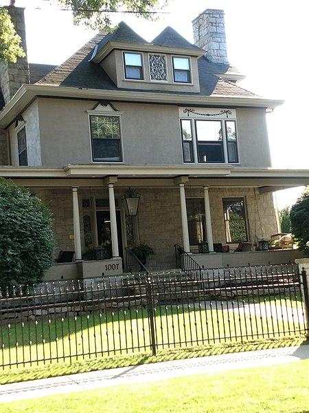 File:Resident's home on Prospect St.jpg