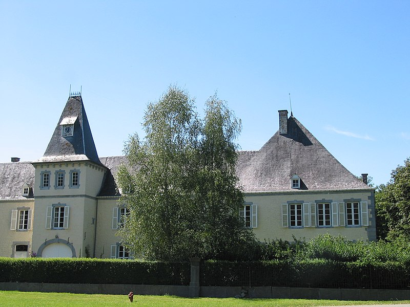 Resteigne (Belgium): the castle (16th–19th centuries).