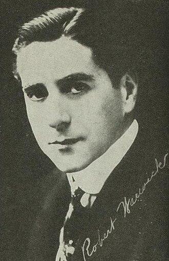 Robert Warwick - Image: Robert Warwick circa 1915