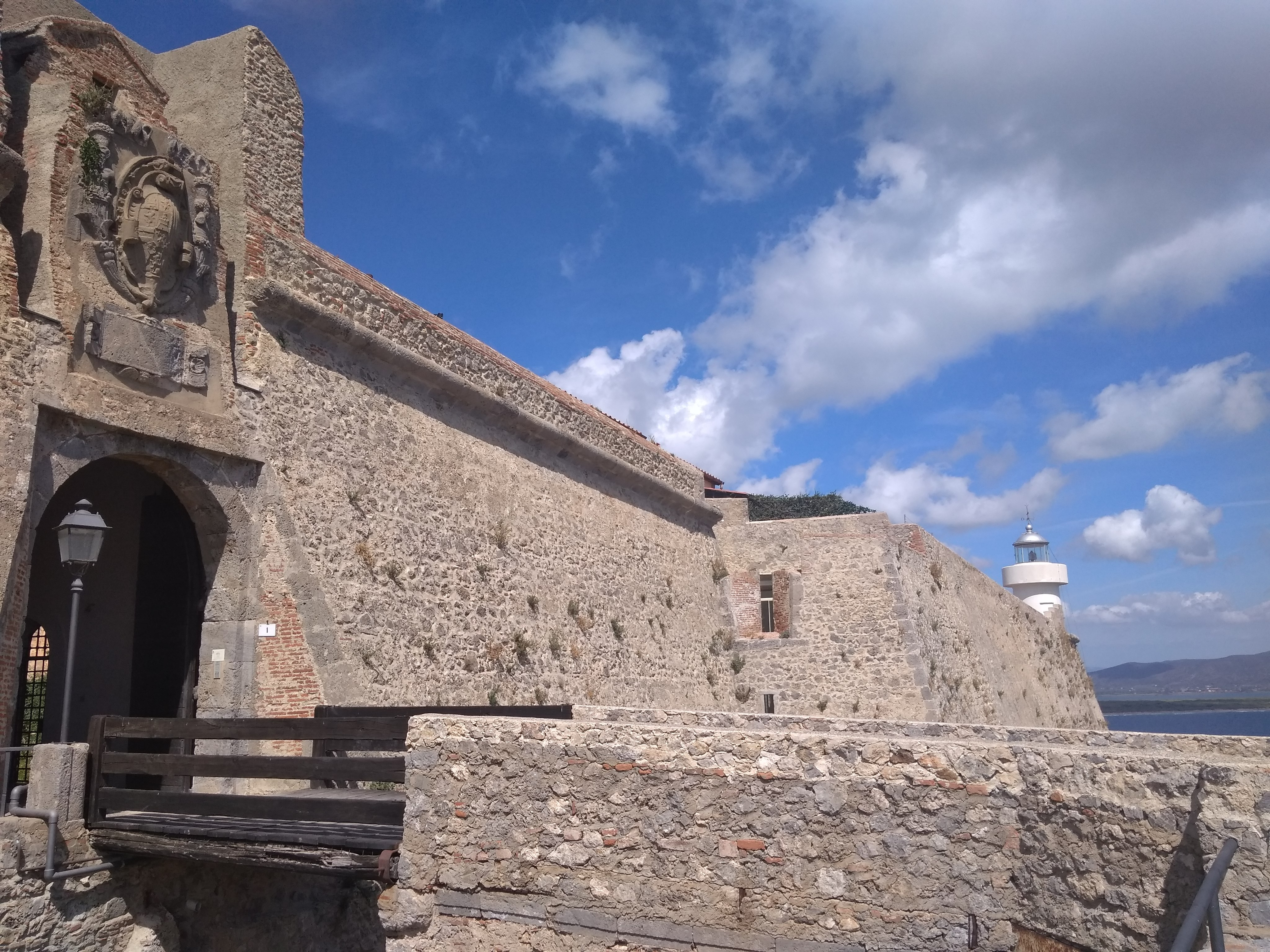 Rocca aldobrandesca, Bastione est con il faro, Porto Ercole, Grosseto, Tuscany