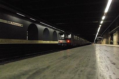 Come arrivare a Eur Palasport con i mezzi pubblici - Informazioni sul luogo