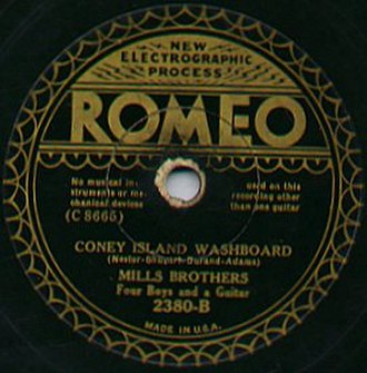 Romeo Records - Label of a Romeo Record by the Mills Brothers