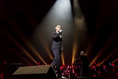 Ronan Keating - 2016330211128 2016-11-25 Night of the Proms - Sven - 5DS R - 0086 - 5DSR8602 mod.jpg