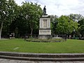 Rond-point Casimir Perier au cimetière du Père Lachaise.jpg
