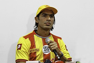 Sebastián Abreu - Abreu being presented by Aucas