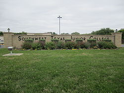 SW TX Junior College sign, Uvalde, TX IMG 1275.JPG