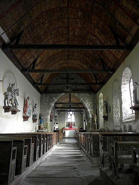 Intérieur de l'église de Saint-Georges-de-Gréhaigne (35).