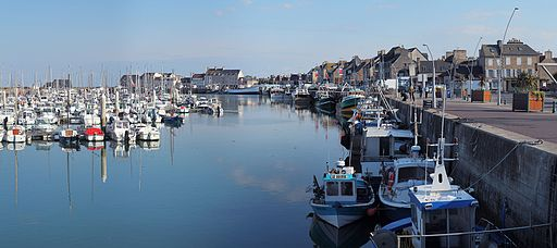 Saint-Vaast-la-Hougue port plaisance Wikimedia Commons