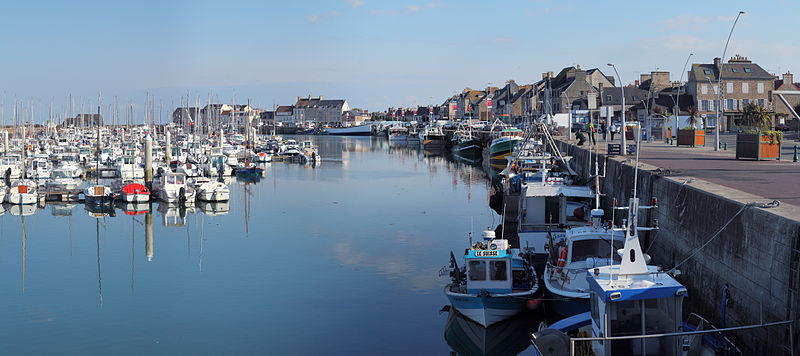 Fichier:Saint-Vaast-la-Hougue port plaisance Wikimedia Commons.jpg